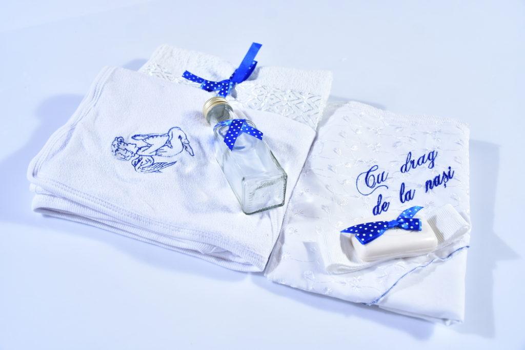 haine bebelusi - trusou botez 6 piese ingeras3JPG 1 1024x683 - Haine bebelusi-Trusou personalizat