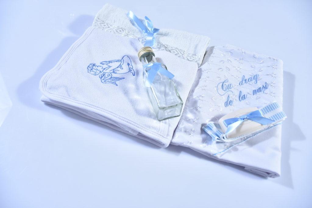 haine bebelusi - trusou botez 6 piese ingeras7JPG 1 1024x683 - Haine bebelusi-Trusou personalizat