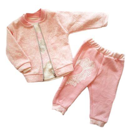 haine bebelusi - costumas 3 piese fetite bebelusi roz inimioare bumbac 420x420 - Haine bebelusi-Costumas 3 piese bumbac roz Inimioare